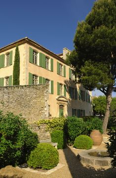 Vaucluse : La Maison Dora Maar et son jardin Patrimoine historique et architectural de Ménerbes