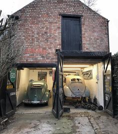 Volkswagen – One Stop Classic Car News & Tips Gatsby House, Supercars, Car Barn, Old Garage, Beetle Car, Custom Garages, Coach House, Vw Volkswagen, Industrial House