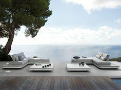Table de jardin basse par Manutti