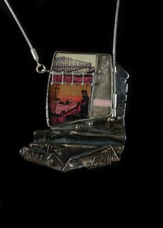 Mélanie Denis, silver, resin and found objects