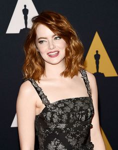 Emma Stone attends the 8th Annual Governors Awards hosted by the Academy of Motion Picture Arts and Sciences on November 12, 2016, at the Hollywood & Highland Center in Hollywood, California. Emma Stone New Movie, Emma Stone Films, Emma Stone 2016, Emma Stone Body, Emma Stone Age, Emma Stone Style, Audrey Hepburn, Blonde Actresses, Female Actresses