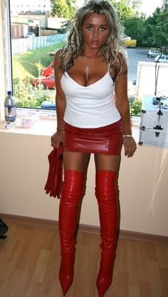 Drag Queens Shemales In Thigh High Leather Boots Free Sites 54