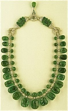 Art Deco Indian - style necklace by Cartier, 1928-1929 I knew @Kitty Edisto pinned this as soon as I saw it!