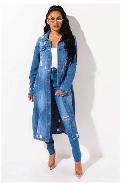 Long Distressed Denim Jacket, Long Denim Coat, Long Denim Dress, Denim Jacket With Dress, Jacket Dress, Denim Outfits, Chic Outfits, Denim Duster, Long Sleeve Maxi
