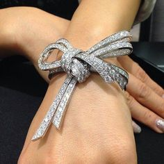 Bow Jewelry, High Jewelry, Cute Jewelry, Bridal Jewelry, Gemstone Jewelry, Vintage Jewelry, Fashion Jewelry, Jewelry Design, Jewellery