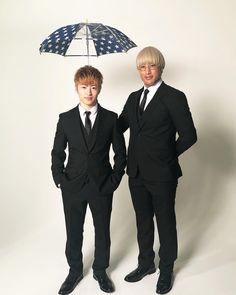 「PRINCE OF LEGEND」OFFICIALさんはInstagramを利用しています:「. ☂梅雨×王子シリーズ🌧 ジメジメベトベト梅雨の季節は 憂鬱になりがち💦 しかし関東甲信地方は早くも #梅雨明け☀️ そんな皆さんに、王子たちから ステキなプレゼント✨ ラストは... Team生徒会‼️ . 🤴ガブ「この傘は、会長のものです。」☔ . #生徒会長王子…」 Prince, Drama, Asian, Actors, Guys, Formal, Twitter, Instagram, Bands