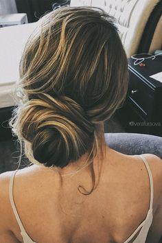 simple and elegant loose updo   fabmood.com #hairstyle #braids #chignon #lowupdo #braidedupdo #updoideas #bridehair #weddinghairstyles