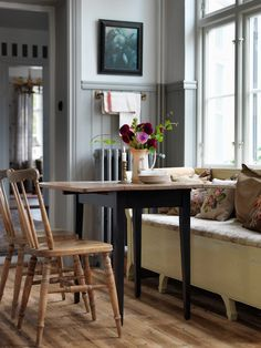 Antique, modern mix dining