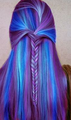 Dye your hair to neon pink hair color - temporarily use crazy pink hair dye to achieve brilliant results! DIY your hair fluo pink with pink hair chalk Hair Color Purple, Cool Hair Color, Blue Ombre, Purple Hues, Amazing Hair Color, Hair Color Quiz, Rainbow Hair Colors, Galaxy Hair Color, Light Ombre