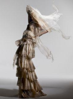 Lady Gaga by Nick Knight for Vanity Fair September 2010 - Fashion Art, Editorial Fashion, Runway Fashion, Trendy Fashion, High Fashion, Fashion Shoes, White Editorial, Crazy Fashion, Magazine Editorial