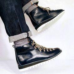 Fracap Ripple sole scarponcino boot ... Navy & White. #dcopperfieldesq #fracap #madeinitaly #menswear #menshoes