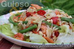 """Você já experimentou uma salada com mamão? A Salada Tailandesa de Mamão Verde é típica e uma das das mais famosa da cozinha thai, tem o nome de """"som tam ..."""