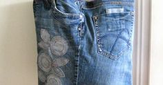 Een Shopper kun je niet alleen naaien van stof. Denk ook eens aan minder voor de hand liggende materialen, zoals bijvoorbeeld je oude (s... Sewing Crafts, Sewing Projects, Diy Jeans, Denim Ideas, Recycled Denim, Couture, Purses And Bags, Recycling, Embroidery