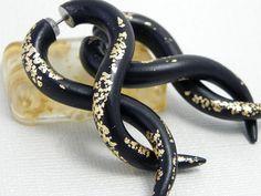 Fake Plugs Infinity TwistClassy in Black Fake Plugs, Yarn Crafts, Infinity, Jewelery, Fashion Jewelry, Trending Outfits, Wedding Rings, Classy, Unique Jewelry