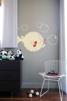 Oh how I love these awesome wall decals.. Blowfish for the bathroom? Perfect.