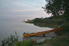 morgens an der Müritz bei Rechlin. Diese Kanutour beschreibe ich hier:  http://www.kanu-natur.de/kanutagebuch-2014-zweites-halbjahr/kanutour-mueritz/