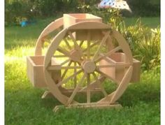 Hand-crafted 3 box wagon wheel planter