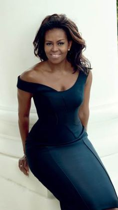 President Barack Obama gushed over his 'incredible' wife, Michelle Obama, in the first lady's latest cover story for 'Vogue' — see what he had to say Michelle Obama Fashion, Barack And Michelle, Beautiful Black Women, Beautiful People, Beyonce, Celebridades Fashion, Sexy Women, First Black President, Celebs
