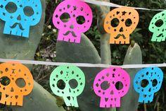 Free papel picado calaveras sugar skull templates - Dia de los Muertos. https://happythought.co.uk/craft-ideas/papel-picado-calaveras