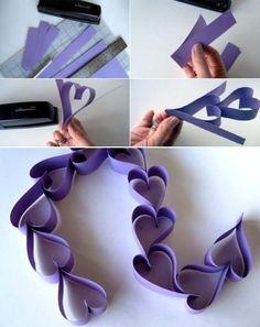 Также можно изготовить гирлянду - цепочку из сердечек: