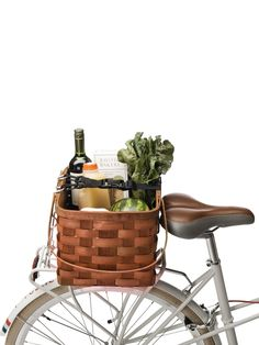 Farmers market rack basket (to go with my bike beer caddy, of course). Now all I need is the bike, lol.