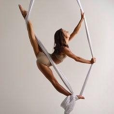 """I ♥️ Rhythmic Gymnastic (@ilove_rg) no Instagram: """"Воздушная гимнастика на полотнах! Для любого уровня подготовки! Индивидуальный подход!…"""""""