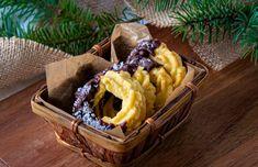 ... jemné, krehké a typicky vianočné pečivo, #Recepty #Vianočnérecepty Dairy, Food And Drink, Cheese, Basket
