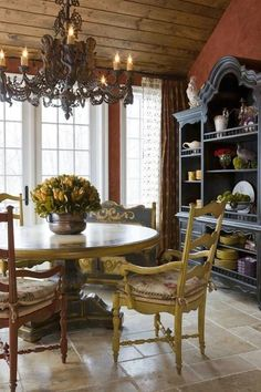 https://i.pinimg.com/236x/6e/b5/c7/6eb5c7745b3d97f7ac922a35df3c7c73--french-country-dining-room-french-country-kitchens.jpg