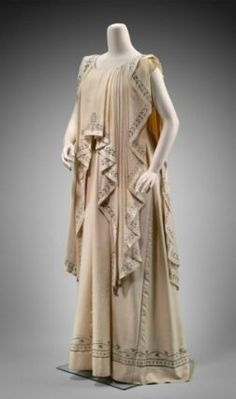 Grecian Pageant Costume, ca. 1900 Worn by Aimée Rotch Sargent during Grecian-inspired tableau. via MFA Vintage Outfits, Vintage Fashion, Steampunk Fashion, Gothic Fashion, Historical Costume, Historical Clothing, Ancient Greek Clothing, Ancient Greek Costumes, Greek Dress