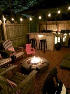 Impressive Backyard Fire Pit and Seating Area Ideas (3)