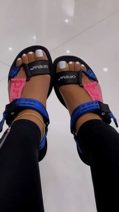 Cute Sandals, Shoes Sandals, Shoes Sneakers, Sneaker Heels, Sneakers Fashion, Fashion Shoes, Fashion Bags, Tennis Shoes Outfit, Hype Shoes