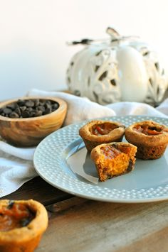 Dark Chocolate Pumpkin Pie Bites on a Chocolate Chip Cookie Dough Crust -- perfect for your next holiday party!! // via Nosh and Nourish