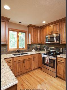 Hickory Kitchen Cabinets, Kitchen Cabinet Styles, Kitchen Redo, Rustic Kitchen, Country Kitchen, Kitchen Remodel, Kitchen Design, Oak Cabinets, Kitchen Ideas