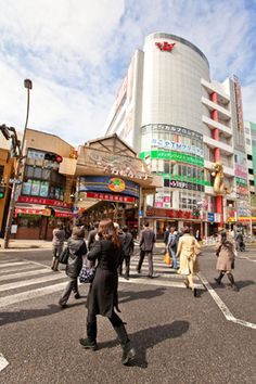 Shopping District near Osu Kannon, Nagoya.  One of the best places in Japan to find secondhand kimono