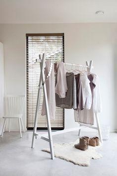 mooi kledingrek!!! vtwonen Kledingrek Hout - Lak Wit - vtwonen design online…