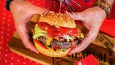 Bombastic XXXL smoked hamburger: the mother of all hamburgers Smoked Hamburgers, Grilling Recipes, Smoking, Ethnic Recipes, Youtube, Food, Eten, Tobacco Smoking, Baking Recipes