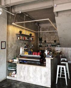 Home bar counter design coffee corner 58 Ideas for 2019 Coffee Shop Counter, Home Bar Counter, Bar Counter Design, Coffee Shop Bar, Coffee Store, Coffee Maker, Rustic Coffee Shop, Small Coffee Shop, Coffee Bar Design