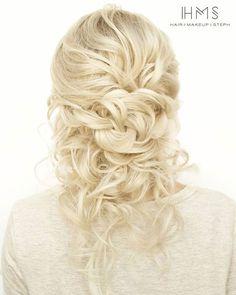 """Up-ish/down-ish"" bridal hair ~ we ❤ this! moncheribridals.com"