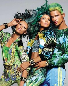 coco-lagerfeld:        Lindsey Ellingson, Vika Falileeva, and Simon Nessman in Versace for H&m for Vogue Japan