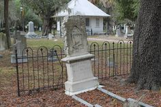 tampa cemetery oaklawn