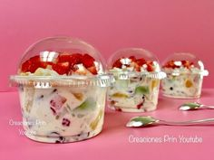 Coctel de Frutas para negocio o mesa de postres🍏🍓🍍 - YouTube Mini Dessert Recipes, Jello Recipes, Smoothie Recipes, Gourmet Recipes, Baking Recipes, Snack Recipes, Mexican Snacks, Mexican Dishes, Food Business Ideas