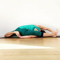 Yoga for instant weight loss. What is yoga for weight loss. Yoga Handstand, Bikram Yoga, Iyengar Yoga, Vinyasa Yoga, Ashtanga Yoga, Beautiful Yoga Poses, Yoga Moves, Yoga Workouts, Exercises