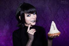 Mavis - Hotel Transylvania by Ryoko-demon on DeviantArt Hotel Transylvania Movie, Demons 2, Vampire Bites, Dreamworks, Scream, Pixar, Halloween Face Makeup, Cheese, Deviantart