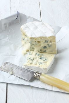 Bresse Bleu...divine. Queso Cheese, Fromage Cheese, Camembert Cheese, Epoisses, Fondue, Homemade Cheese, How To Make Cheese, Paella, Mascarpone