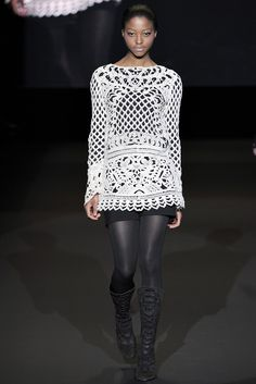 Outstanding Crochet: Crochet Houte Couture. Vivienne Tam