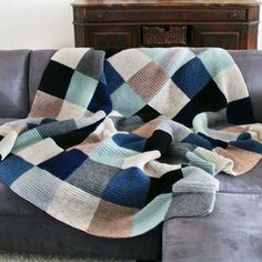 Color Block Blanket in Stormy Weather / Oh Leander Knitting Patterns, Crochet Patterns, Manta Crochet, Square Blanket, Knitted Blankets, Crochet Yarn, Soft Furnishings, Needlework, Textiles