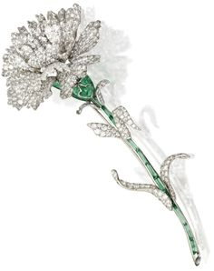 White carnation brooch by Michele della Valle, set with white diamonds in white gold and titanium. The lovely green stem is detailed in cabochon green tourmaline segments. White Carnation = Sweet and Lovely; Antique Jewelry, Vintage Jewelry, Do It Yourself Jewelry, Diamond Brooch, Diamond Bar, Diamond Flower, Green Tourmaline, High Jewelry, Women's Jewelry