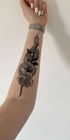 Snake rose tattoos tattoosforwomen tattooideas pretty should a realistic mindset prevent you from getting a matching tattoo with the person you love Forarm Tattoos, Leg Tattoos, Body Art Tattoos, Tattos, Rose Tattoo Forearm, Tattoos On Hand, Snake Ankle Tattoo, Pretty Hand Tattoos, Snake And Dagger Tattoo