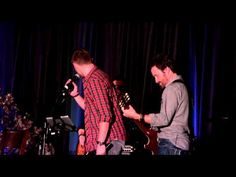 Jensen Ackles Singing at #SFcon 2015 ^_^. via Rayna Schlossberg on youtube ;)