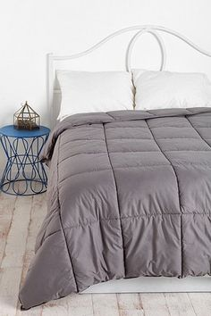 Quilted comforter, gray